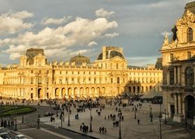 Palais du Louvre in Paris - Guidebook for the Paris Palais