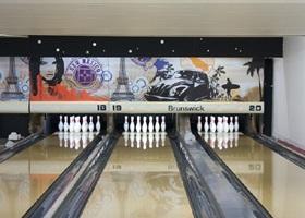 bowling front de seine paris guidebook paris bowling. Black Bedroom Furniture Sets. Home Design Ideas